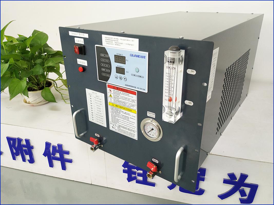 光纤激光优德88 w88官方网站,铨冠新款,焊机专用水冷却柜式机型QG-1000SF1