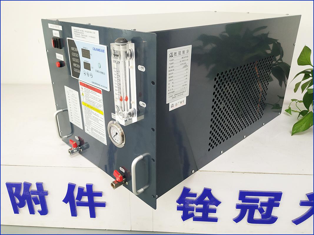 光纤焊接主机冷冻机也称之为优德88 w88官方网站,铨冠1000W和1500W柜式优德88 w88官方网站